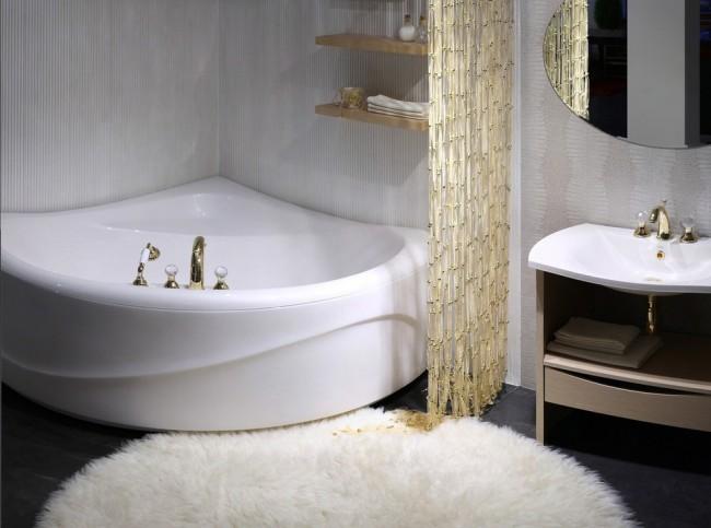 Комфортная угловая ванна популярного размера 150x150 см