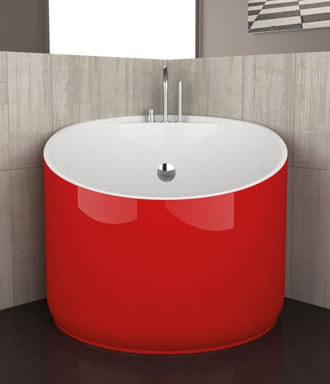 Маленькая купель, которая понравится обладателем компактной ванной комнаты, которые к тому же симпатизируют японской культуре. В ней можно узнать офуро - традиционную японскую баню
