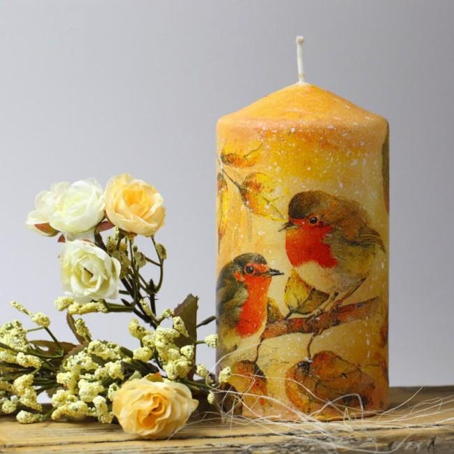 Прекрасная идея для подарка или сувенира: уникальная свеча, декорированная своими руками