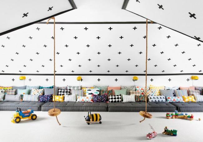 Мансардная игровая комната в скандинавском стиле для большой семьи
