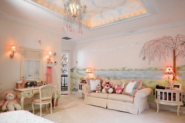 Светло-розовый практичный съемный чехол дивана