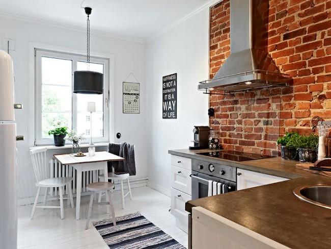Небольшая угловая кухня сэкономит места и сделает кухню более просторной