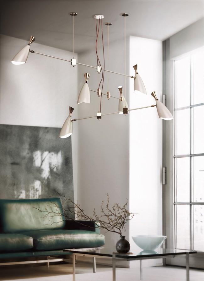 Дизайнерская модель люстры нетрадиционной формы