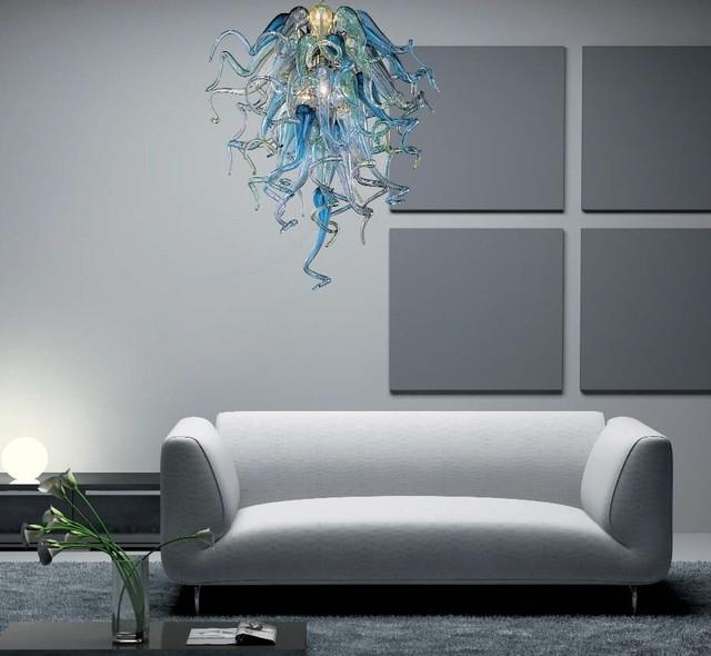 Утонченная люстра из муранского стекла