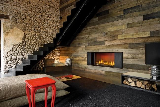 Домашний, уютный оттенок камня придаст комнате тепла и света