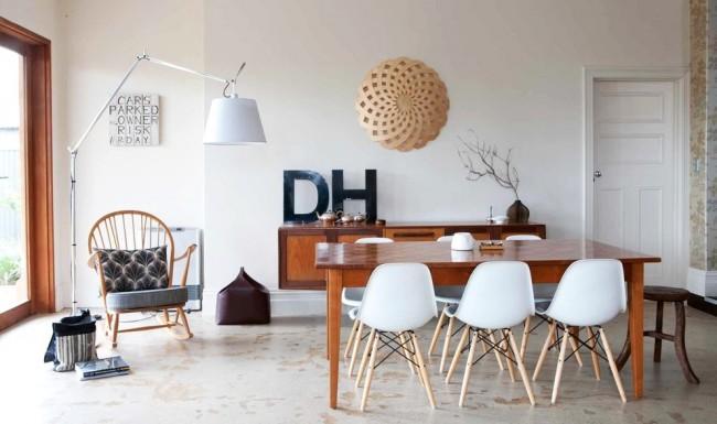 Микс современного и стиля пятидесятых в оформлении гостиной