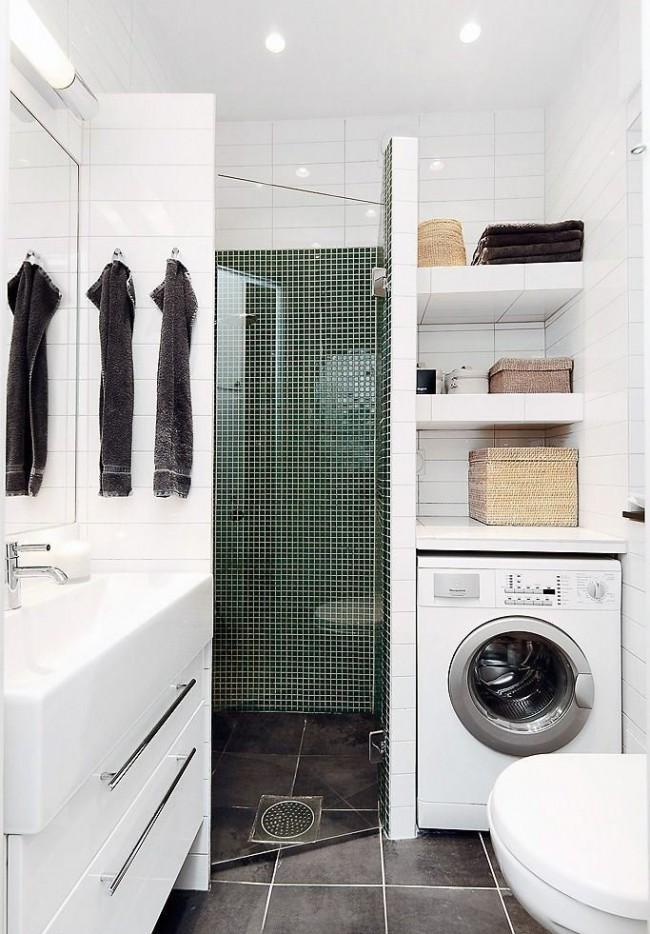 Точечное освещение и глянцевая плитка, работая вместе, создадут пространство ванной