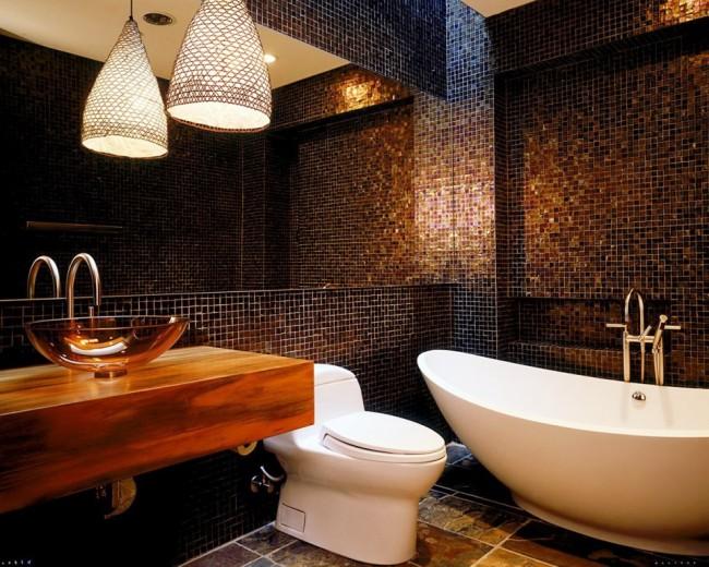 Зеркало на всю стену зрительно расширит ванную комнату