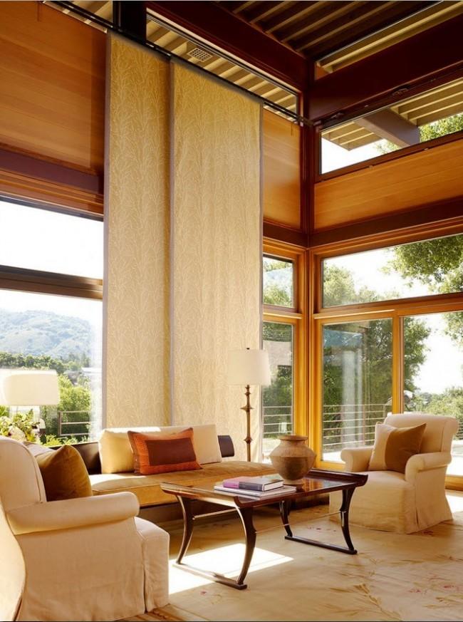 Панельные шторы в интерьере загородного дома