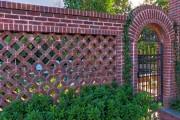 Фото 2 Красивый забор : изюминка для вашей усадьбы, 65 фото идей
