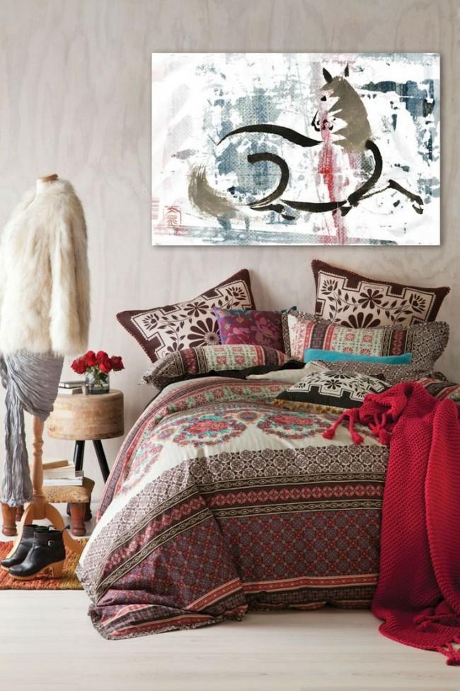 Красивый интерьер спальни в богемном стиле