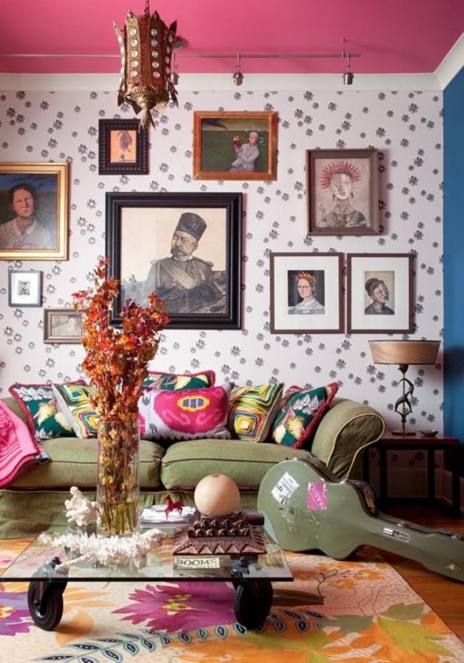 Интересное сочетание любимого Джоном Ленноном цвета хаки с розовым