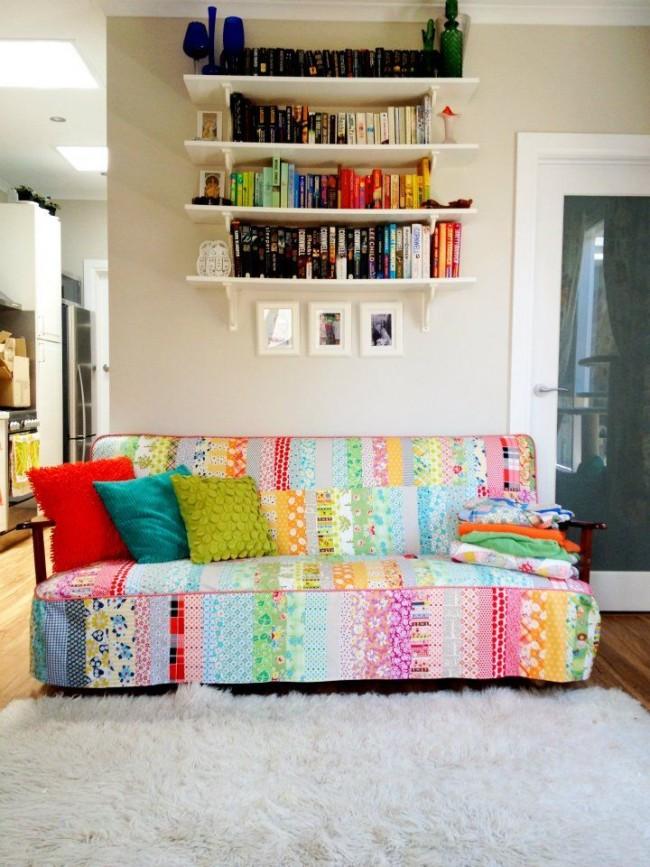 """Чехол для дивана из мелких лоскутов ткани - """"пэчворк"""""""