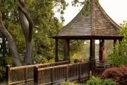 Фото 28 Деревянные беседки (65 фото): уютный уголок релакса на вашей даче