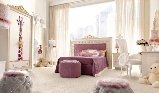 Красота и очарование в светлой классической девичьей комнате