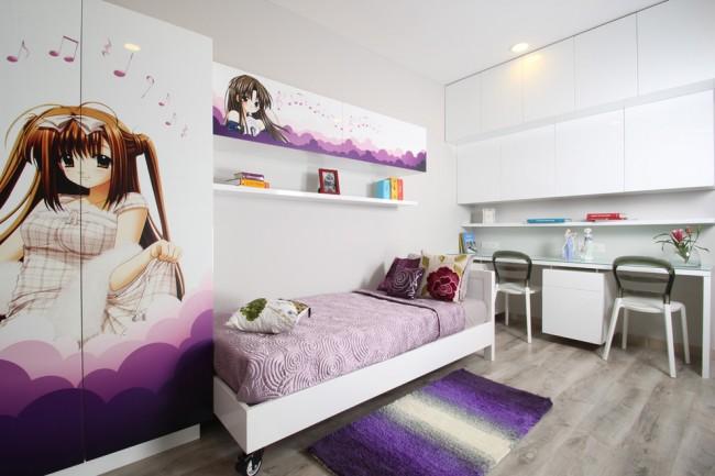 Гардеробный и подвесные шкафы с аниме-принтом на фасадах