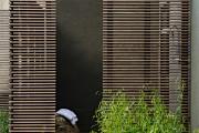 Фото 18 Летний душ для дачи: 65 идей освежающего оазиса среди палящего зноя (фото)
