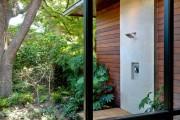 Фото 8 Летний душ для дачи: 65 идей освежающего оазиса среди палящего зноя (фото)