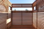 Фото 6 Летний душ для дачи: 65 идей освежающего оазиса среди палящего зноя (фото)