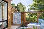 Фото 1 Летний душ для дачи: 65 идей освежающего оазиса среди палящего зноя (фото)