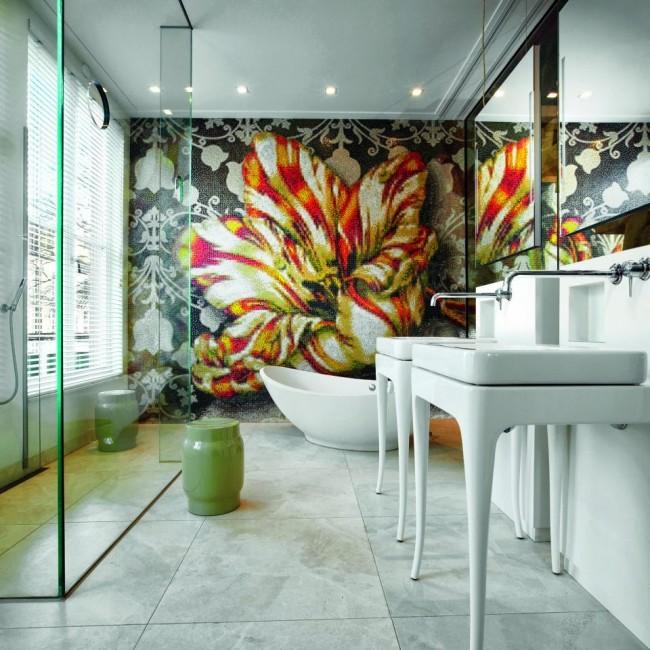 Мозаичное пано - идельный вариант для акцентирования отдельной стены