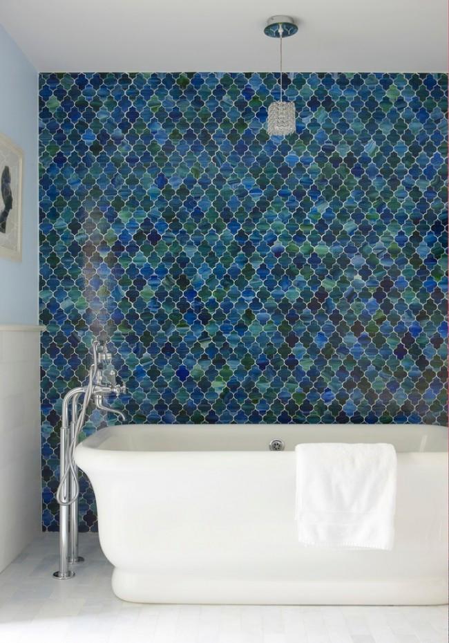 Элементы мозаики могут быть любой формы, как на фото, вносящие своей формой в современный интерьер элемент марокканского стиля