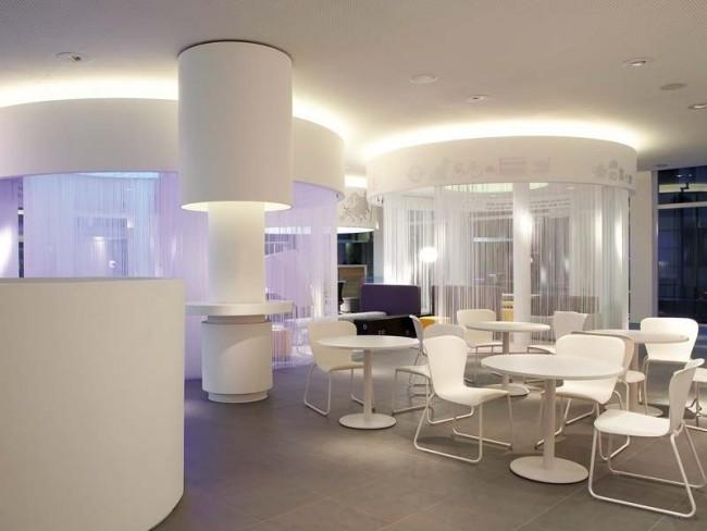 Кисея часто используется в дизайне кафе и ресторанов