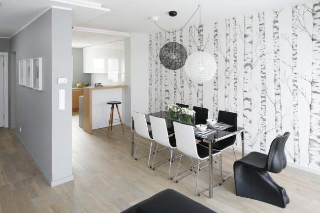 Вертикальный рисунок – для тех кто хочет визуально поднять потолок