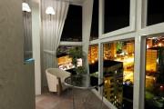 Фото 3 Панорамное остекление лоджии и балкона: 6 основных способов остекления от пола до потолка