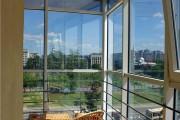 Фото 1 Панорамное остекление лоджии и балкона: 6 основных способов остекления от пола до потолка