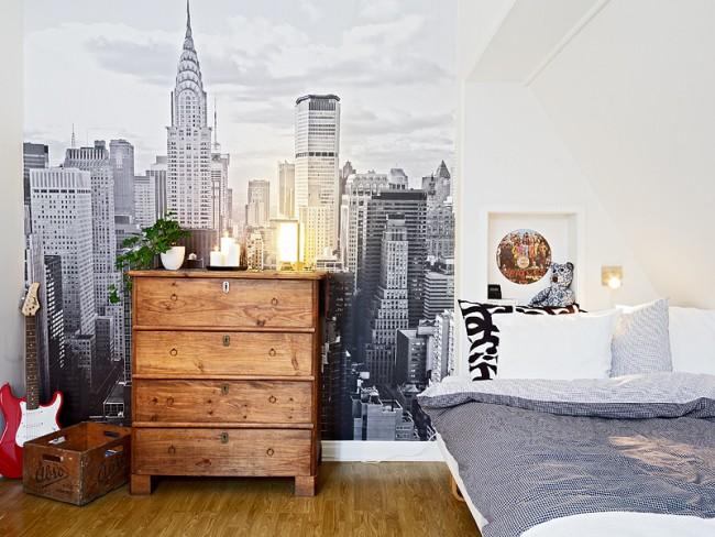 Вид на Крайслер-билдинг в спальне подростка