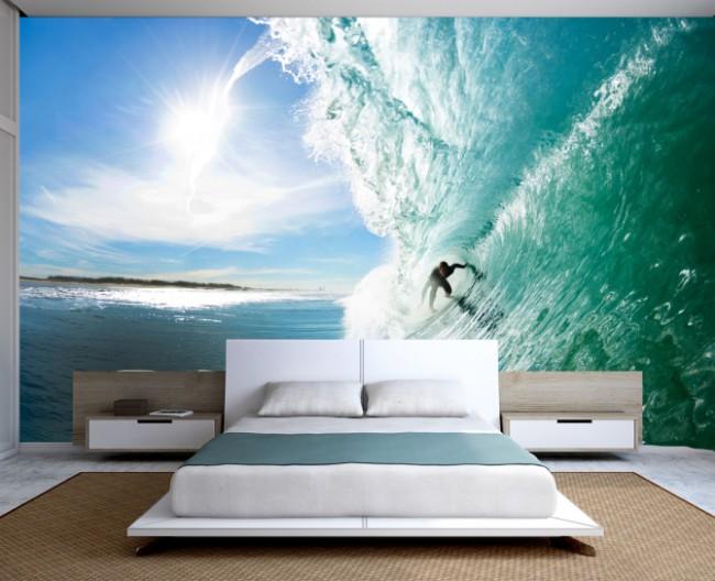 Голубые оттенки зимнего неба в спальне настроят вас на спокойный отдыхэкстремальных и энергичных личностей подойдет более оживленная картина на стене