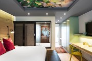 Фото 54 Фотообои в спальне: 115 идей дизайна с невероятными картинами на всю стену