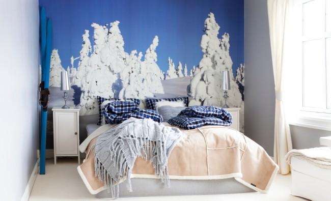 Голубые оттенки зимнего неба в спальне настроят вас на спокойный отдых