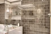 Фото 19 75 Ярких идей плитки в ванную: сочетание красоты и практичности (фото)