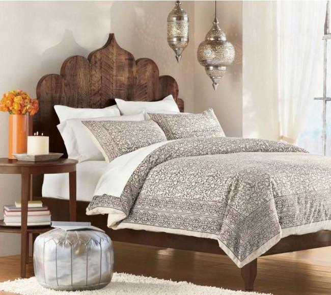 Ненасыщенные пастельные тона в восточном убранстве спальни