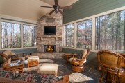 Фото 19 Угловые камины: 70 горячих идей для классических и современных гостиных (фото)