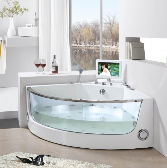 Угловая ванна со стеклянными вставками