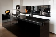 Фото 12 60+ Идей фартука для кухни из стекла: новое слово в отделке кухонных поверхностей (фото)