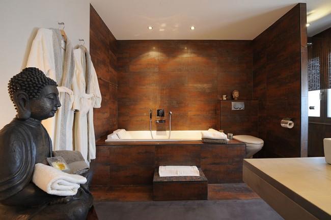 Туалет с ванной в Восточном стиле