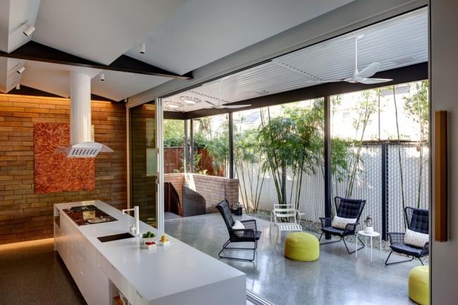 При проектировании летней кухни необходимо придерживаться требований пожаробезопасности