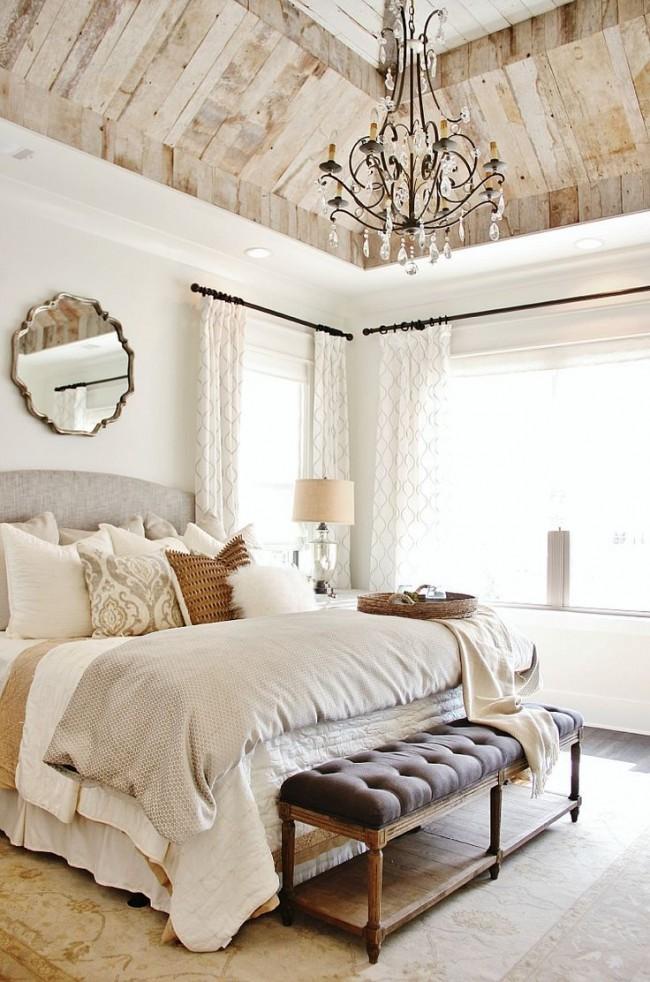 Кованая люстра в спальне шебби-шикспальня с соответствующей люстрой всегда актуальны