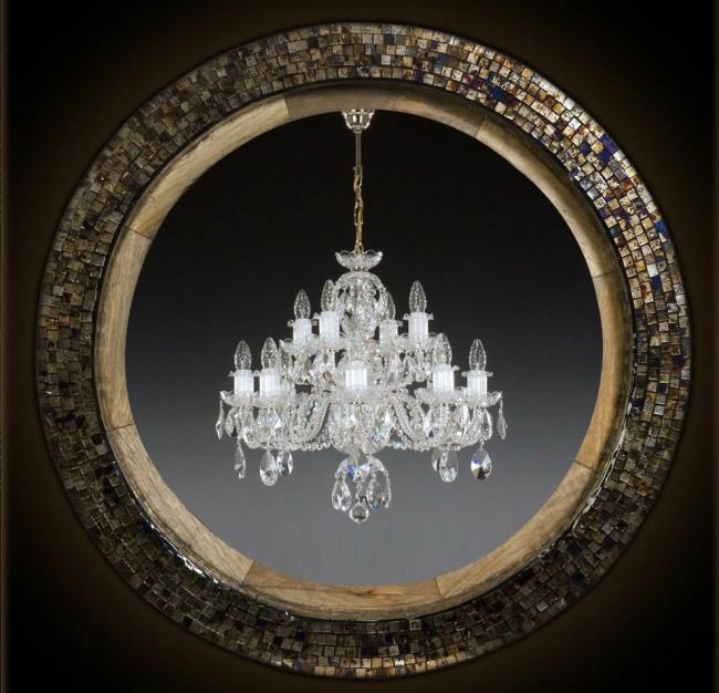 Перламутровая мозаика в оформлении круглого зеркала