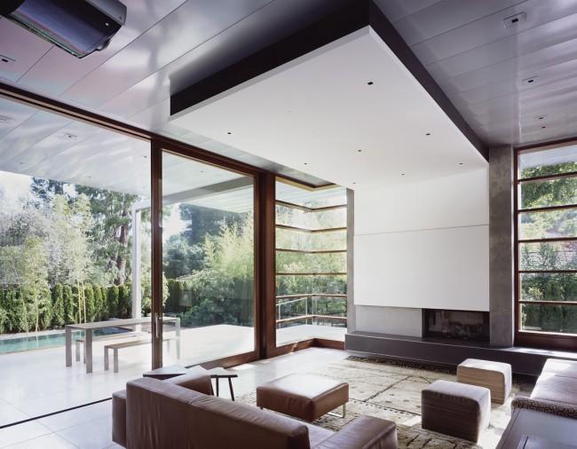 Среди существующего сегодня множества материалов, предназначенных для отделки потолка, в плане практичности особенно выделяются декоративные пластиковые панели