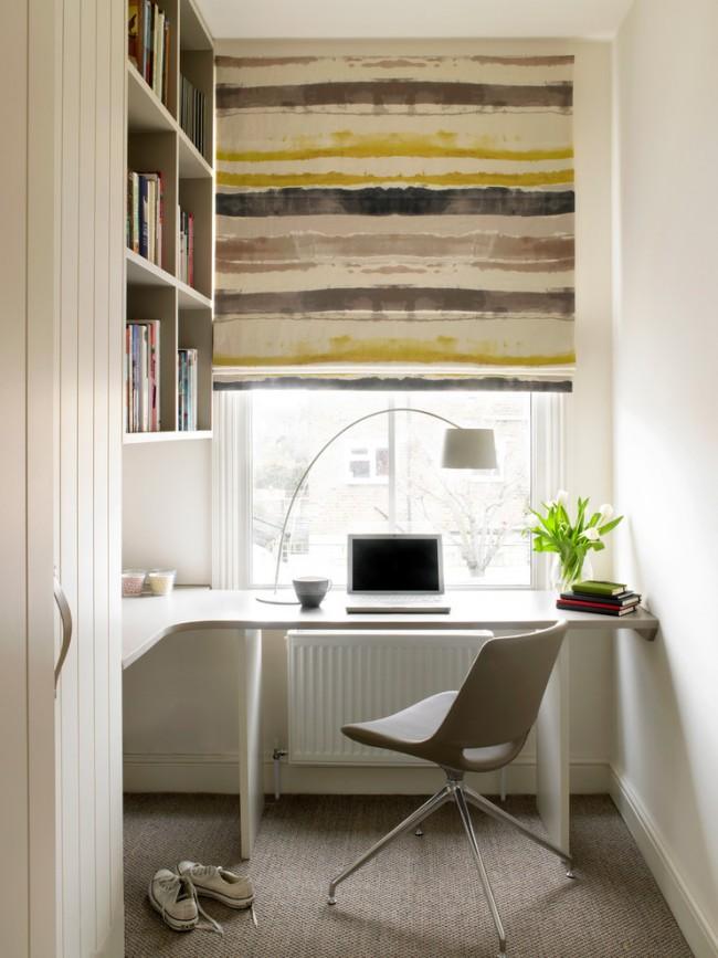 Угловой стол хорошо впишется даже в небольшом помещении, вроде компактной лоджии многоэтажного дома