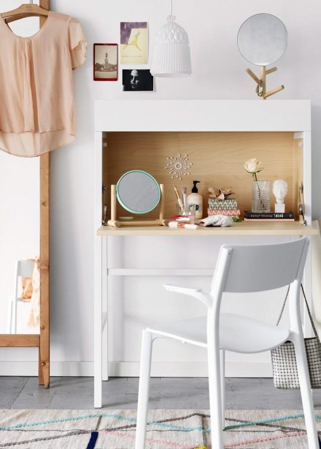 Компактный вариант туалетного столика в современном оформлении от IKEA