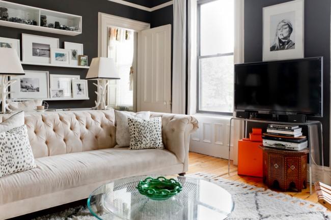 Стеклянная мебель поможет сделать дизайн помещения немного просторнее