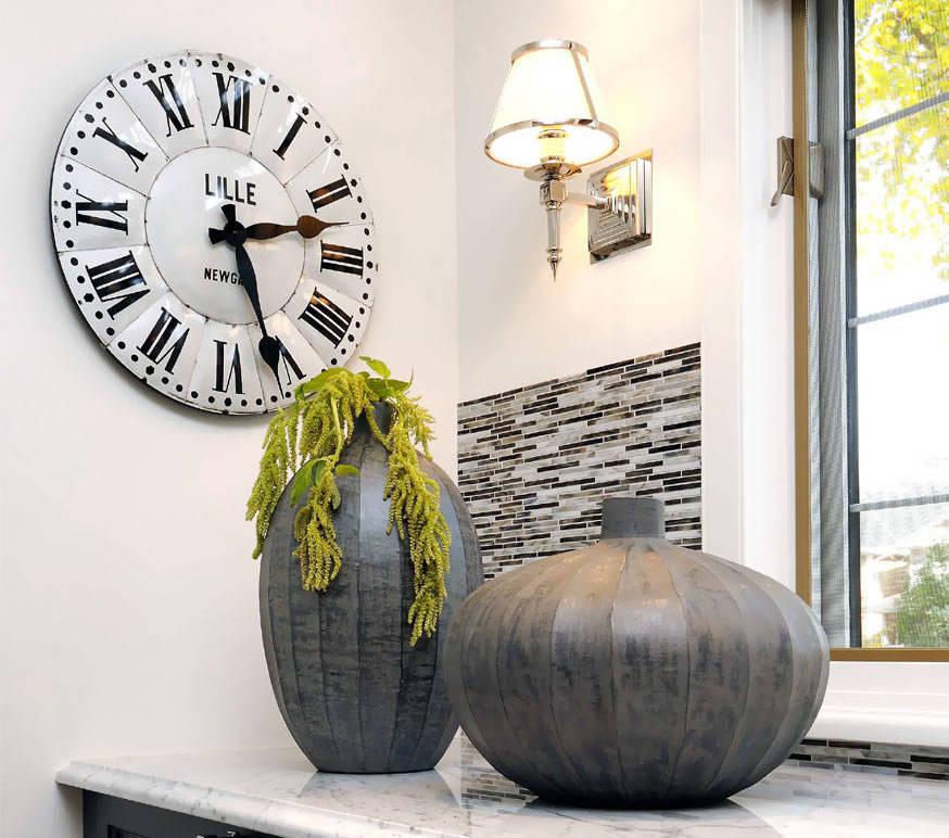современное КУХНЯ ГОСТИНАЯ 40 ИДЕЙ ДЛЯ ДИЗАЙНА стиль дома: Настенные часы на кухню: 40+ идей для счастливых минут