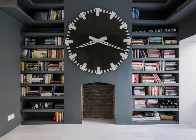 Один из важных элементов любого кабинета, создающий атмосферу любви к знаниям - это библиотека