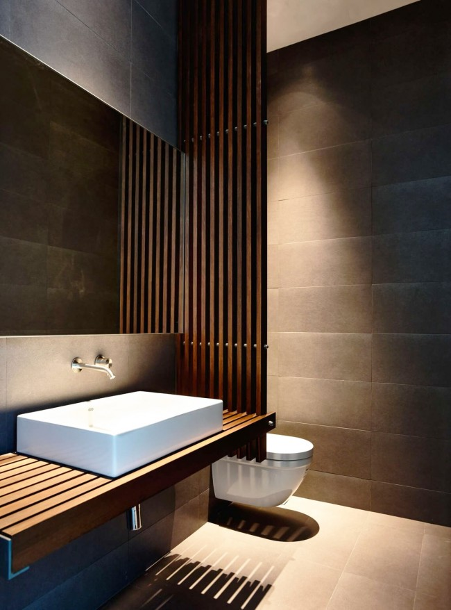 Стиль модерн в прекрасном интерьере гигиенической комнаты